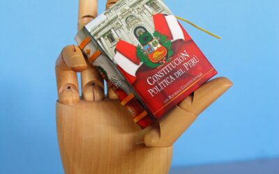 Constitution_of_Peru_minature_book